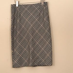 White House Black Market houndstooth pencil skirt